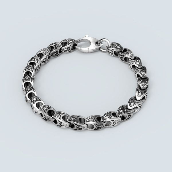 Shield Engraved Chain Bracelet